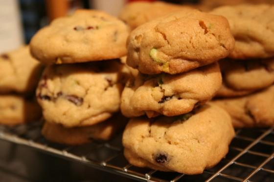 Pistachio_cranberry_cookies
